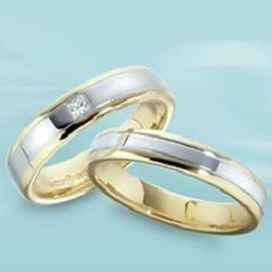 About to Pop the Question? Buy a Ring from V-Gem Jewelry!