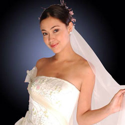 Find the Right Wedding Dress with Edward Teng