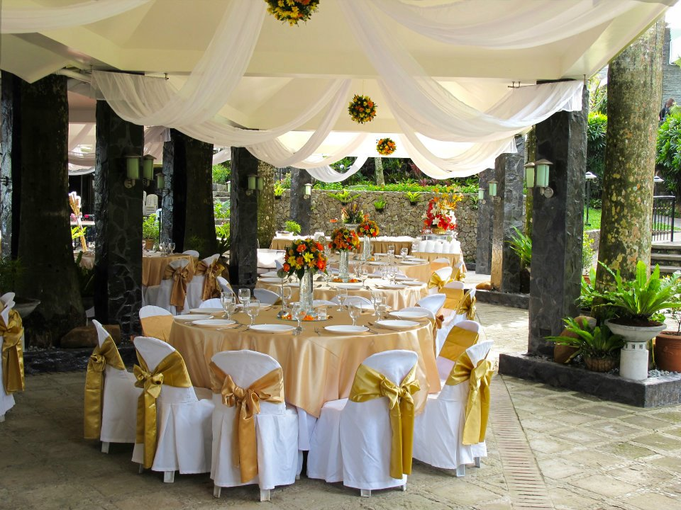 Josephine restaurant cavite garden wedding cavite for Tagaytay wedding venue