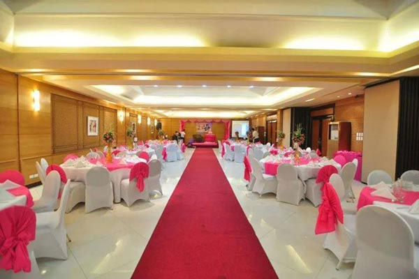 Elegant Yet Affordable Weddings at City Garden Suites
