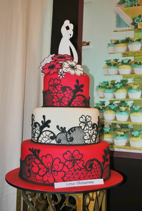 Why Choose a Goldilocks Wedding Cake? Goldilocks ...