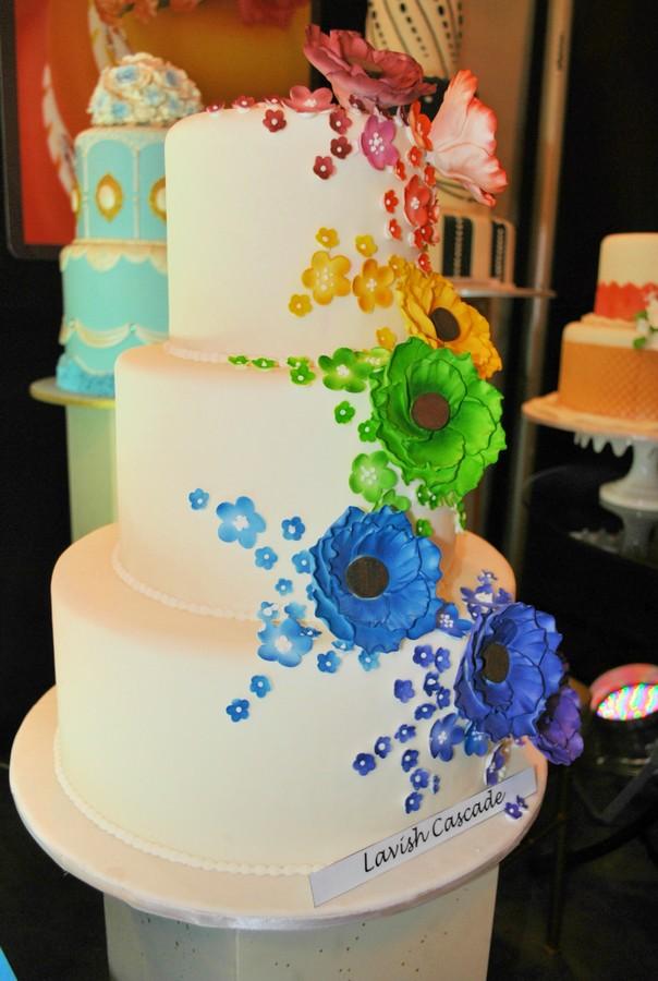 Goldilocks Wedding Cake Design : Newest Wedding Cakes from Goldilocks Goldilocks Bakeshop ...