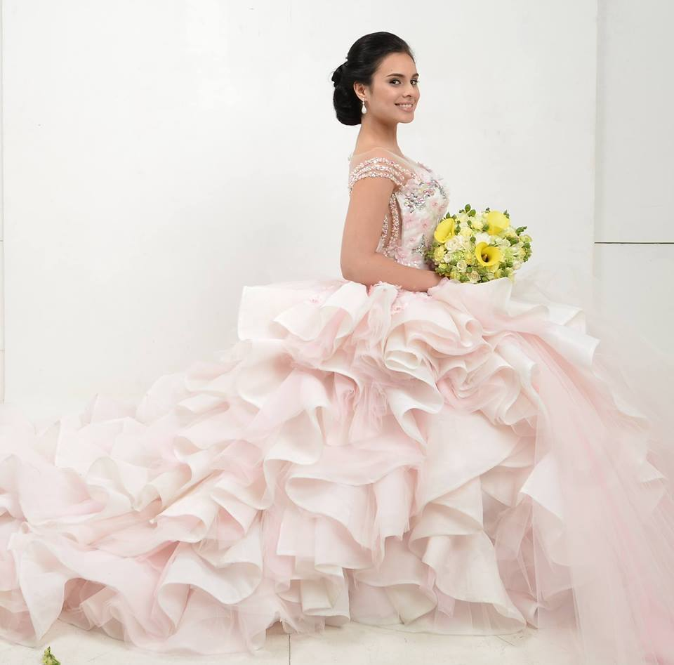 Finding the Perfect Wedding Dress: Tips from Creation Fashion ...