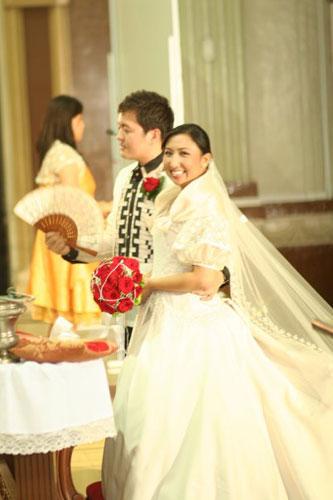 their wedding ceremony Photo courtesy of Kenneth Uy Photography
