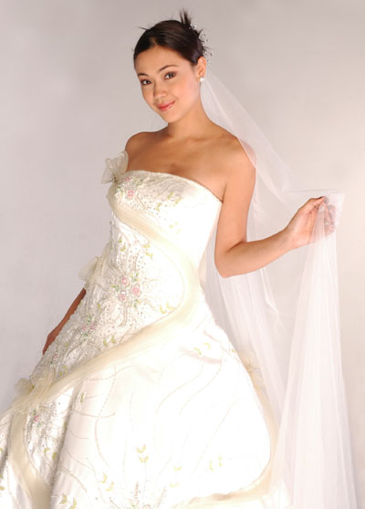 Edward Teng| Metro Manila Wedding Gowns | Metro Manila Bridal Gowns | Metro Manila Wedding Designers, Couturiers | Kasal.com - The Philippine Wedding Planning Guide