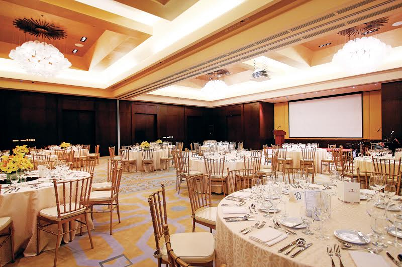 Crimson Hotel Filinvest City: The Hottest Wedding Venue in