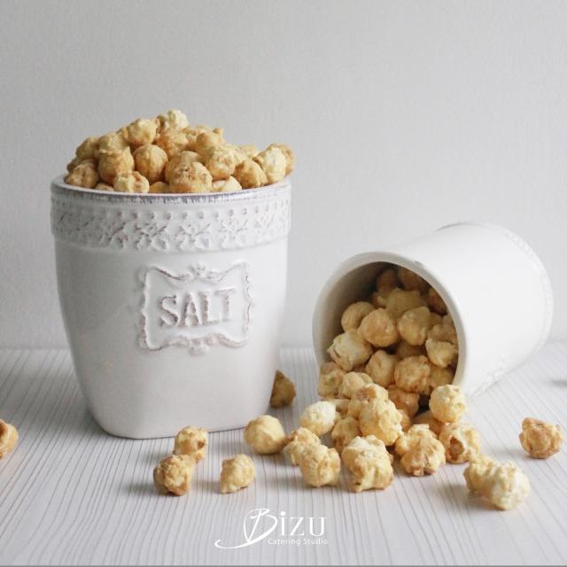 parmesan popcorn bizu catering studio