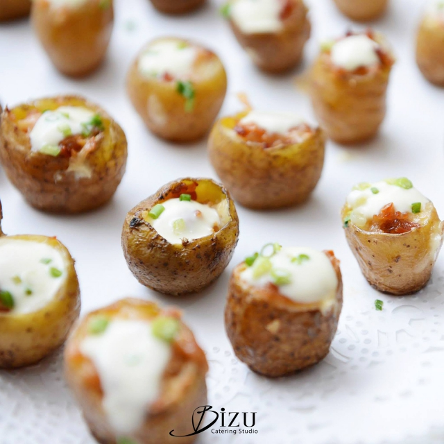 potato with sour cream and chives bizu catering studio