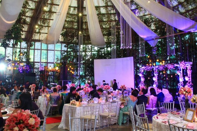 Advantages Of The Outdoor Wedding Reception: Indoor Or Outdoor Wedding Reception?