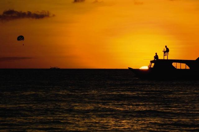 boracay sunset movenpick