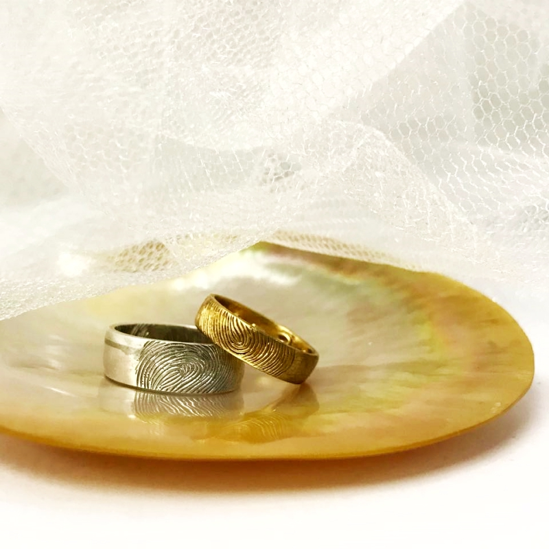 silver and gold wedding rings v gem jewelry