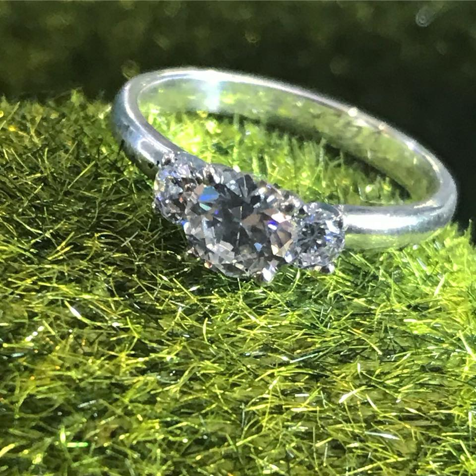 v gem engagament ring